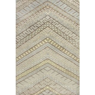 "Amore 2716 Frost Chevron (3'3"" x 5'3"") Rug"