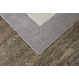 Tone-on-Tone Solid Light Beige with SIlver Border Area Rug (7'6 x 10'3)