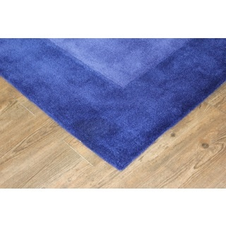 Tone-on-Tone Solid Blue Area Rug (7'6 x 10'3)