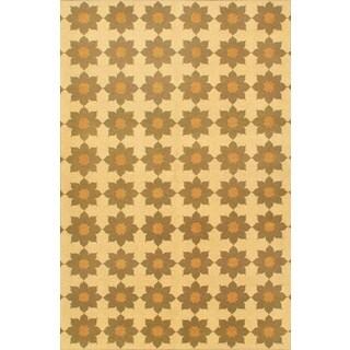 eCarpetGallery Lahor Beige Wool Hand-Made Sumak (5' 6 x 8' 9)