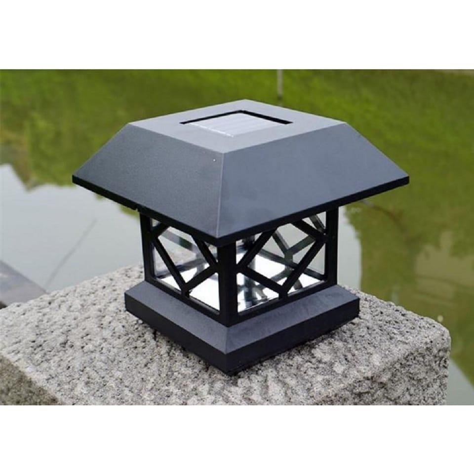 Classic Style Solar-powered Fence Post Light (Black) (Pla...
