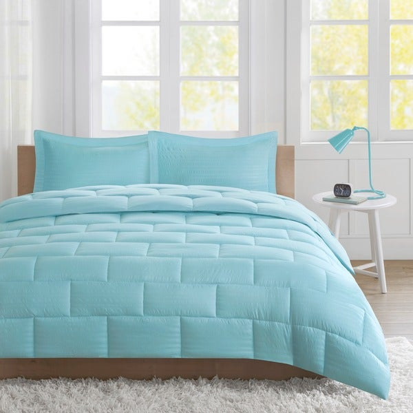 Shop intelligent design ava seersucker down alternative mini comforter set free shipping on for Home design alternative comforter