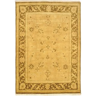 eCarpetGallery Royal Ushak Hand-knotted Brown/Green Wool Rug (5'6 x 7'9)