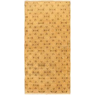 eCarpetGallery Ottoman Ruya Renkli Hand-made Yellow Wool Rug (4'6 x 9'1)