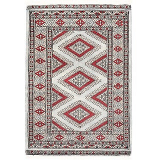 Herat Oriental Pakistani Hand-knotted Bokhara Wool Rug (2'2 x 3'1)