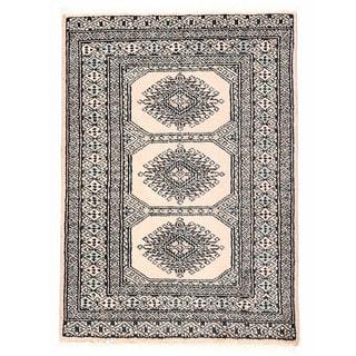 Herat Oriental Pakistani Hand-knotted Bokhara Ivory/ Gray Wool Rug (2'3 x 3')