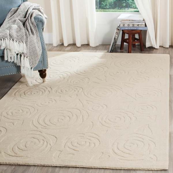 Martha Stewart by Safavieh Block Print Rose Glass Of Milk Wool Rug - 8' x 10'