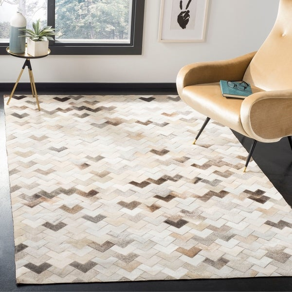 Safavieh Hand-woven Studio Leather Modern Geometric Grey Leather Rug - 8' x 10'