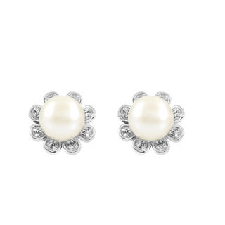 Flower Imitation Pearl Stud Earrings