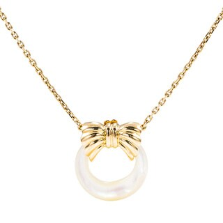 Pre-Owned Van Cleef & Arpels 18K Yellow Gold Interchangeable Mother Of Pearl Pendant|https://ak1.ostkcdn.com/images/products/11879059/P18754363.jpg?_ostk_perf_=percv&impolicy=medium
