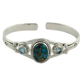 Handmade Sterling Silver 'Azure Heavens' Topaz Turquoise Bracelet (India)