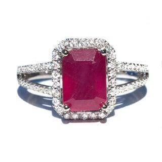 California Girl Jewelry 18k White Gold Ruby and 1/2ct TDW Diamond Ring (Size 6.5)
