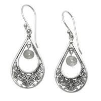 Handmade Sterling Silver 'Whirlpool' Earrings (Indonesia)