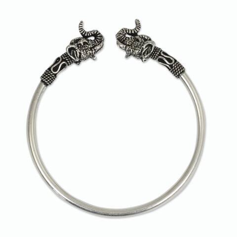 Handmade Sterling Silver 'Cheerful Elephant' Bracelet (Thailand)