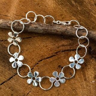 Handmade Sterling Silver 'Flower Garland' Bracelet (Thailand)