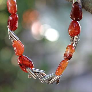 Handcrafted Silver 'Volcano' Agate Necklace (Brazil)