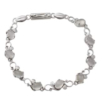 Sterling Silver 'Moonlit Dreams' Moonstone Bracelet (India)|https://ak1.ostkcdn.com/images/products/11895719/P18790438.jpg?impolicy=medium