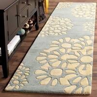 Martha Stewart by Safavieh Petal Mosaic Grey Wool Rug - 2'3 x 10'