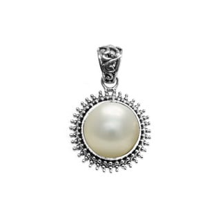Handcrafted Sterling Silver and Mabe Pearl Sunburst Pendant (16 mm) (Indonesia)