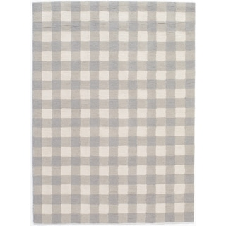 "Hand-Hooked Gingham Polyester Rug (7'6"" x 9'6"")"