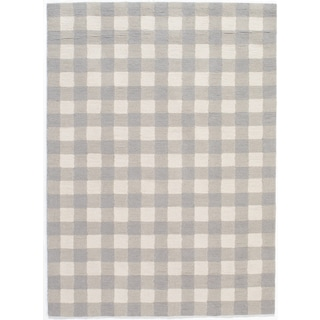 Hand-Hooked Gingham Polyester Rug (5' x 7')
