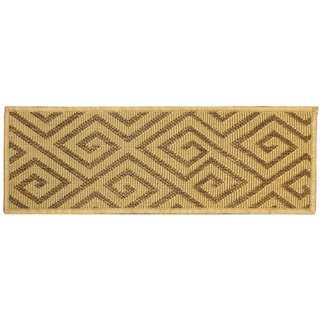 "Berrnour Home Summer Collection Beige Geometric Design Indoor/Outdoor Jute Backing Stair Treads (8.5"" x 26.6"")"