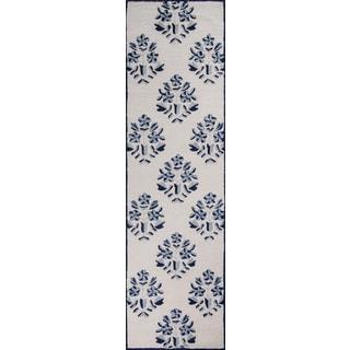 Hand-Tufted Palma Leaf Blue Polyester Rug (2'3 x 8')