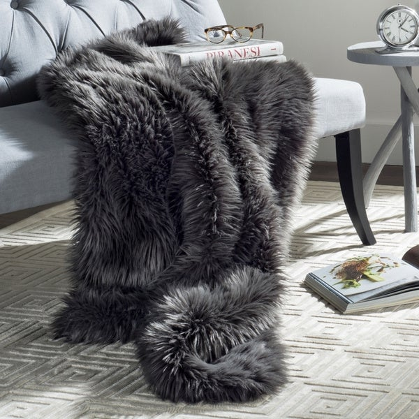 Safavieh Faux Dark Grey Shadow Fox 50 x 60-inch Throw Blanket