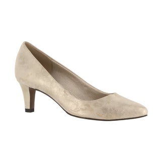 Easy Street Women's Pointe Gold Faux-leather Pumps