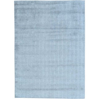 Grey Hand Loomed Grey Wool and Viscose from Bamboo Silk Tone on Tone Rug (5' x 7')