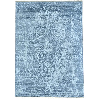 Grey Persian Design Wool and Silk Hand Knotted Oriental Rug (5' x 6'10)