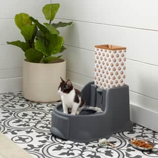 OurPets Kitty Potty Cat Litter Box With Mouse Toy|https://ak1.ostkcdn.com/images/products/11928255/P18817716.jpg?impolicy=medium