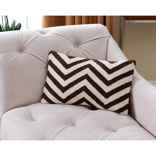 ABBYSON LIVING Miller Chevron White/Brown New Zealand Wool Polyester-filled 12-inch x 18-inch Throw