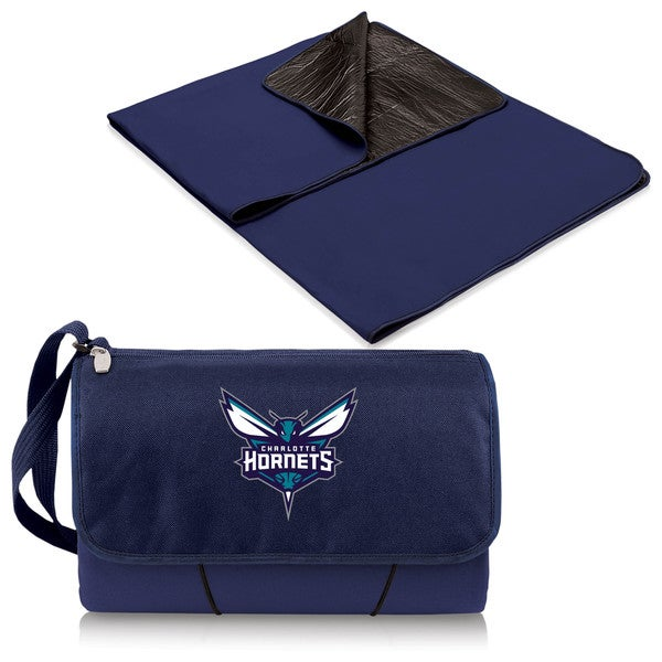 Picnic Time Charlotte Hornets Navy Plastic-Lined Polyester Blanket Tote