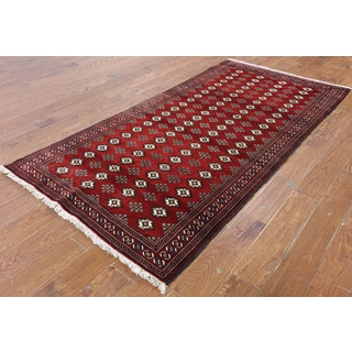 Hand-Knotted Oriental Persian Bokhara Red Wool Rug (3'9 x 7'7)