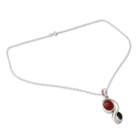 Handmade Sterling Silver 'Colorful Curves' Carnelian Garnet Necklace (India)