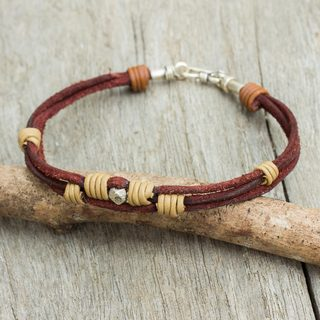 Men's Handcrafted Leather Silver 'Country Road' Bracelet (Thailand)