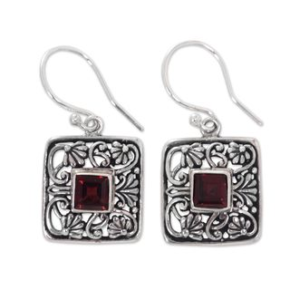 Handmade Sterling Silver 'Red Lotus Pond' Garnet Earrings (Indonesia)
