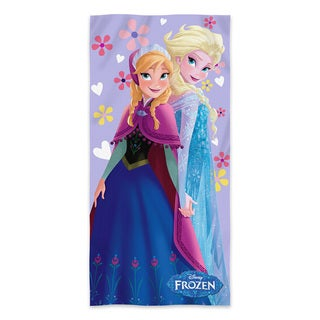 "Frozen """"Sisters"""" Beach Towel"