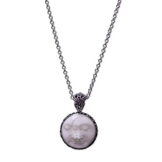 Handcrafted Sterling Silver 'Moon Romancing' Bone Necklace (Indonesia)