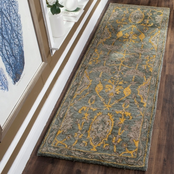 Safavieh Handmade Bella Blue Grey/ Gold Wool Rug - 2' 3 x 7'