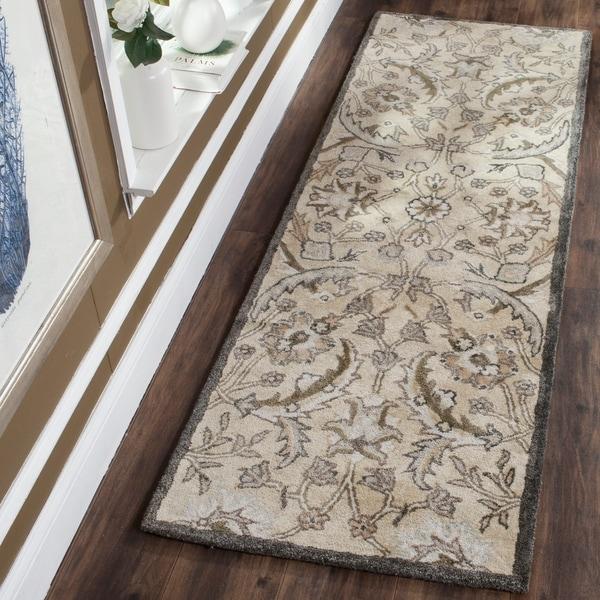 Safavieh Handmade Bella Beige/ Multi Wool Rug - 2' 3 x 7'