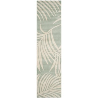 Safavieh Hand-hooked Total Perform Seafoam Acrylic Rug (2' 3 x 9')