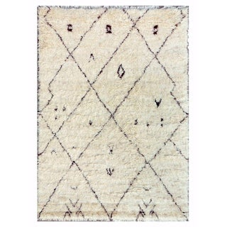 Pasargad Moroccan Lamb's Wool Hand-knotted Rug (6' x 9')