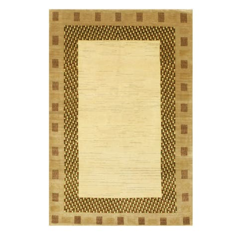 Hand-knotted Wool Ivory Traditional Solid Lori Baft Gabbeh Rug (3'11 x 5'10) - 4' x 6'