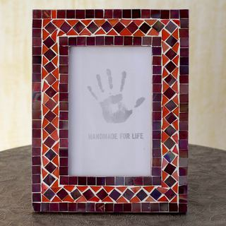 Handcrafted Glass Mosaic 'Lilac Coral' Photo Frame (India)