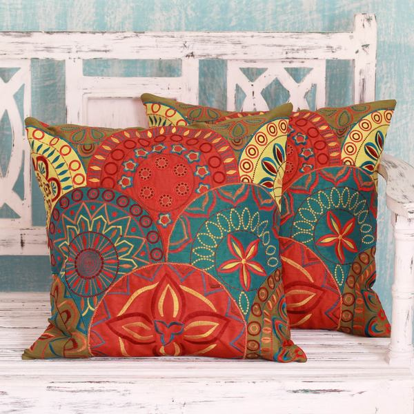 Set of 2 Handmade Polyester 'Glorious' Cushion Covers (India)