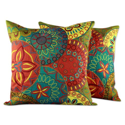 Handmade Set of 2 Polyester Glorious Cushion Covers (India)