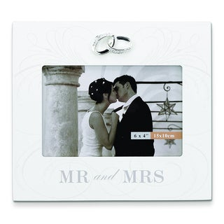 Versil 'Mr and Mrs' Ivory Wood 6-inch x 4-inch Frame with Wedding Bands Accent