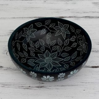 Handcrafted Soapstone 'Floral Night' Catchall Bowl (India)